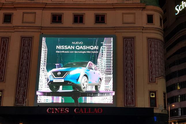 El nuevo Nissan QASHQAI desata una tormenta eléctrica en la plaza del Callao
